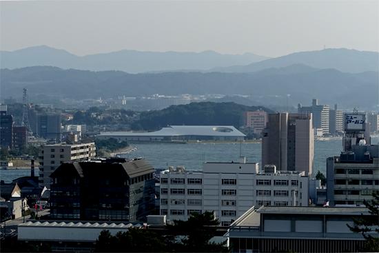 島根県立美術館遠景