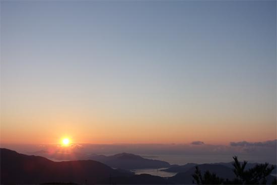 灰ヶ峰からの日の出